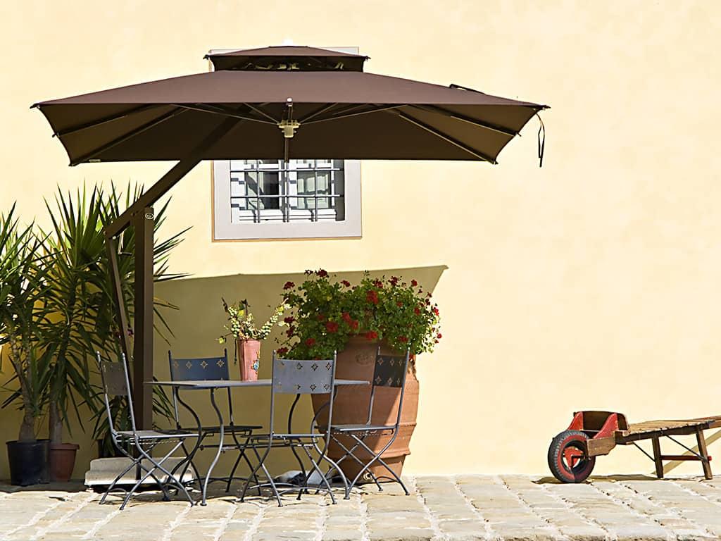 Lade per ombrelloni da giardino ombrelloni da giardino for Arredo terrazzo napoli