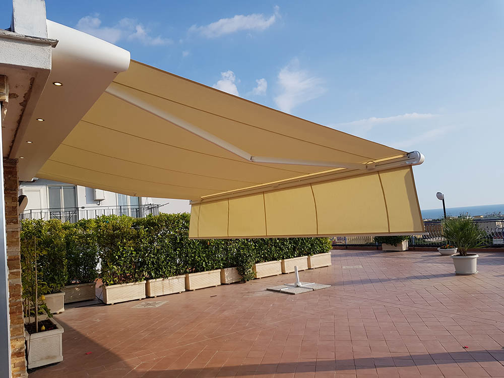 Privato (Portici) Tenda da sole Markilux MX-1
